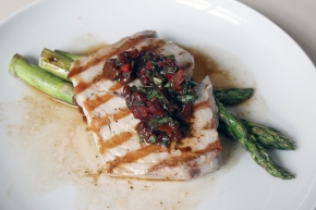 Griddled Tuna and Asparagus